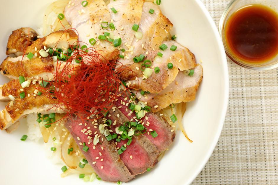 三種のお肉(近江牛、豚、近江黒鶏)の贅沢焼肉丼