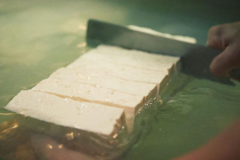 日本の食卓に欠かせない健康食「豆腐」