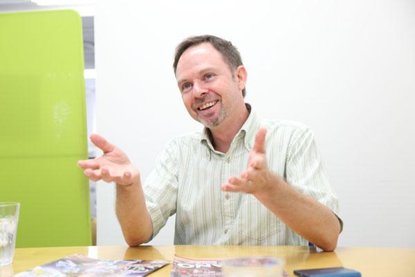ジョーンズさんインタビュー写真