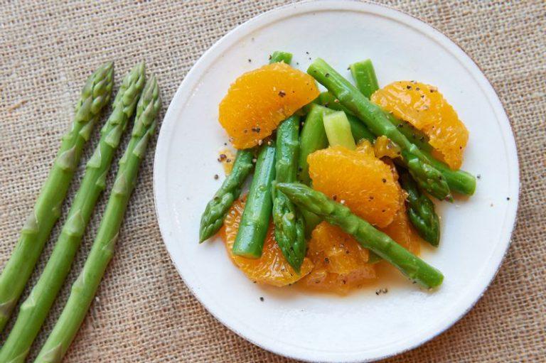 アスパラガスの柑橘ドレッシング和え
