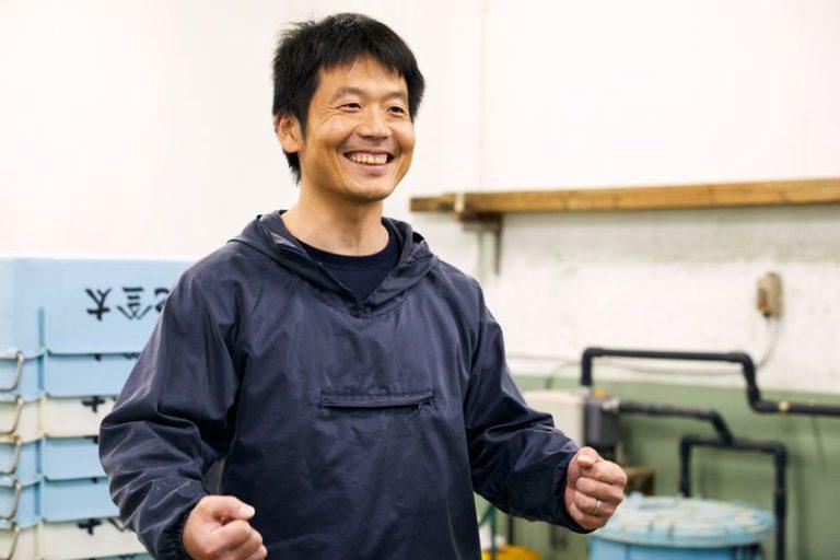 新島でくさや生産を行う池太商店の池村さん