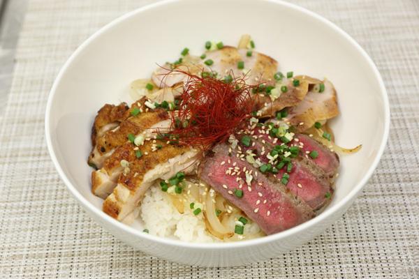 3種のお肉の贅沢焼肉丼