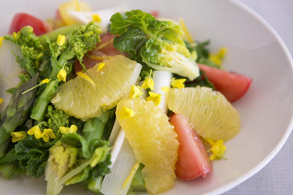 「柑橘と春野菜のサラダ」完成写真