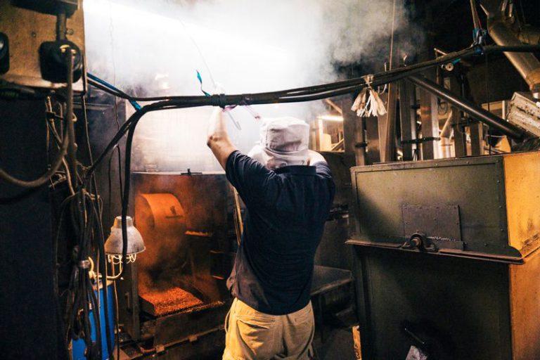 砂釜製粉でつくられる東京麦茶